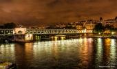 <h5>Paris</h5><p>Blick über die Seine bei Nacht</p>